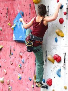 beginner's guide to bouldering