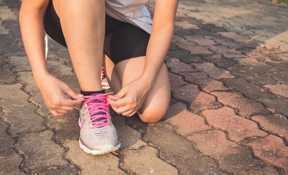 The 6 Best Running Socks In 2020 [Hot Feet, Blisters & Breathability]