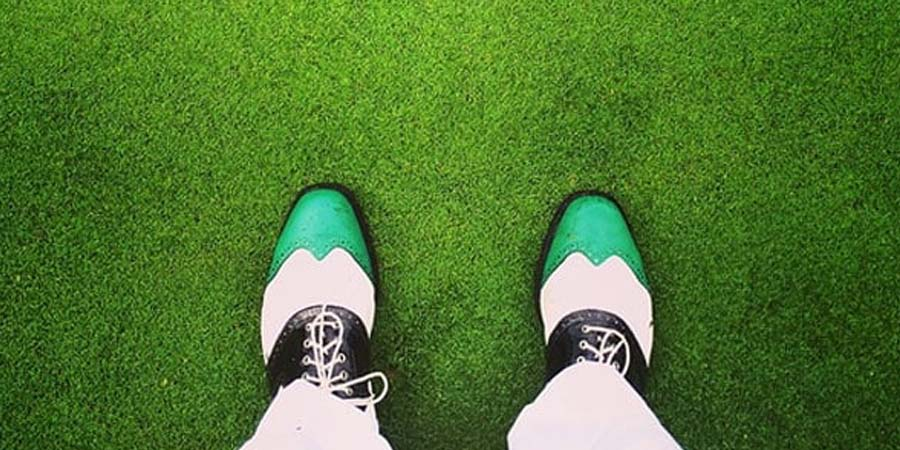 How To Clean Golf Shoes (In 4 Simple Steps)